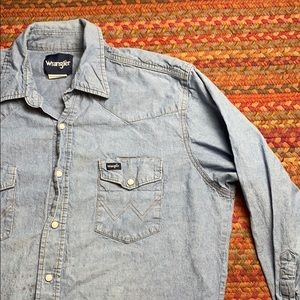 WRANGLER DENIM PEARL SNAP BUTTON UP
